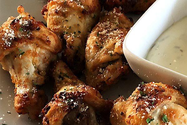 Crujientes alitas de pollo ceto feat